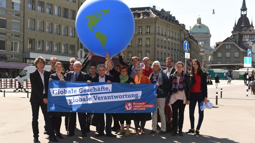 Die Lancierung der Konzernverantwortungsinitiative am 21. April in Bern.