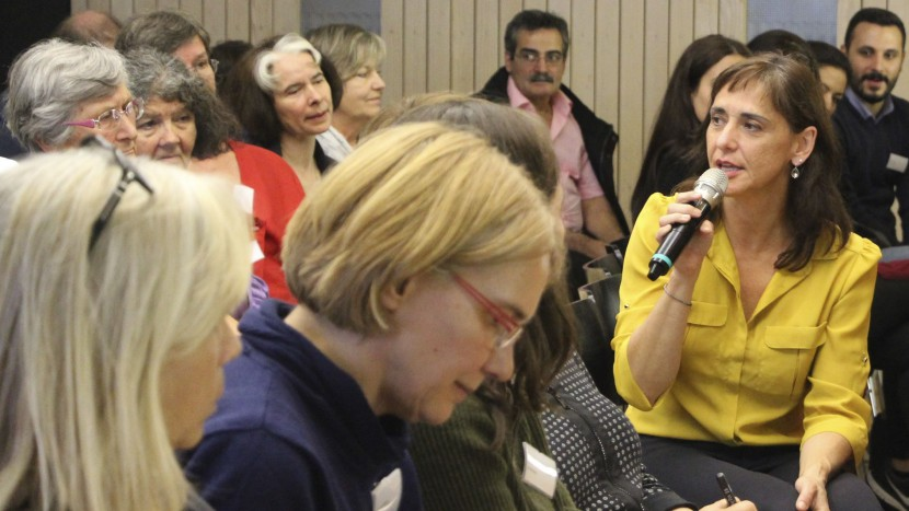 Gaby Szöllösy, Kommunikationschefin im Staatssekretariat für Migration, erläutert die Asylpolitik des Bundes angesichts des Syrienkriegs.
