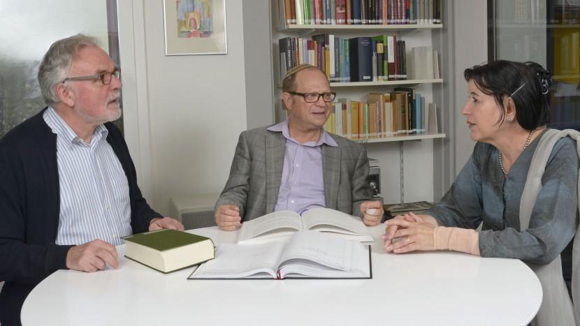 Geschäftsleiter Hanspeter Ernst und die Dozenten Michel Bollag und Rifa'at Lenzin vom Zürcher Lehrhaus.