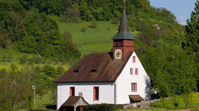 Mitglieder gewinnen und halten ist wichtig für die Kirchgemeinden. Im Bild die reformierte Kirche von Wintersingen, Kanton Baselland.