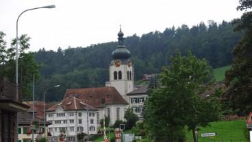 Heilig Abend einmal anders: In der Appenzeller Gemeinde Bühler geht es Heilig Abend rhythmisch zu und her.