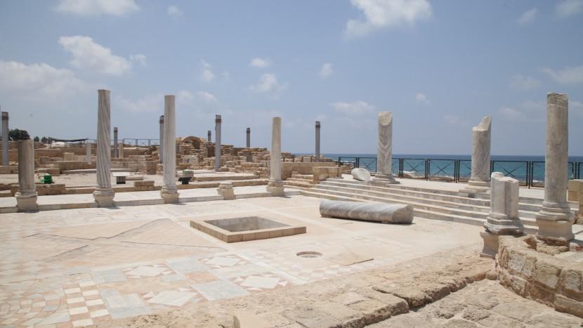 Ruinen in der antiken Stadt Caesarea.