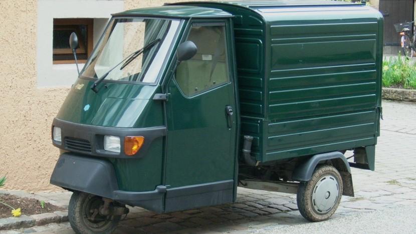 Ungefähr so könnte der Piaggio aussehen, der bald in St. Gallen für das Reformationsjubiläum unterwegs ist.