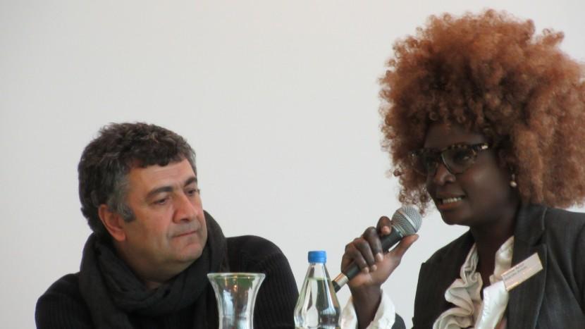 Mano Khalil und Yvonne Apoiyo Brändle-Amolo sind zwei Kulturschaffende, die aus eigener Erfahrung wissen, wie es ist, als Zuwanderte Schweizer zu sein. Und was es braucht, um in der Schweiz Fuss zu fassen.