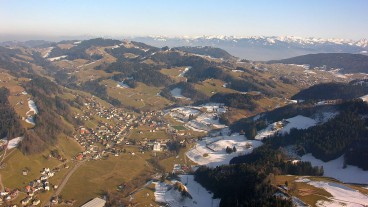 Aus 20 wird eins? Luftaufnahme der Gemeinde Bühler, Appenzell Ausserrhoden.