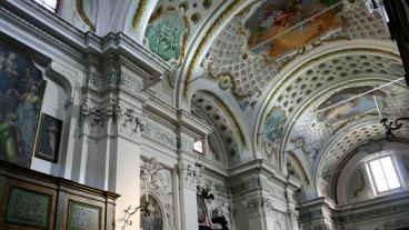 Der Innenraum der Kirche San Giovanni in Mendrisio.