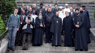 Die Oberhäupter der orthodoxen Kirchen auf der Treppe der Liebfrauenkirche in Zürich.