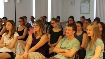 Aufmerksame Zuhörerinnen: Die Teilnehmenden des diesjährigen Campus Kappel.