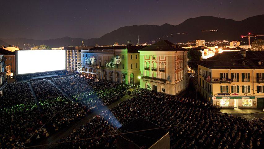 Während dem Filmfestival gehört die Piazza Grande in Locarno den Filmbegeisterten. Seit 43 Jahren prämiert eine internationale ökumenische Jury Filme, die für religiöse, menschliche oder soziale Werte stehen.