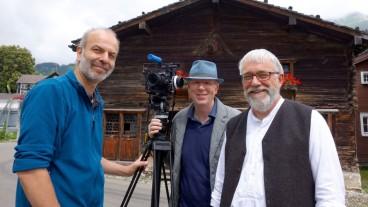 Kameramann Anders Lehmann, Regisseur Rainer Wälde und Produzent Hans Jörg Fehle bei den Dreharbeiten in Wildhaus.