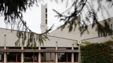 Am Beton nagt der Zahn der Zeit: Um die längerfristige Nutzung zu gewährleisten, müssten ins Thuner Kirchenzentrum Johannes mindestens 5 Millionen Franken investiert werden.