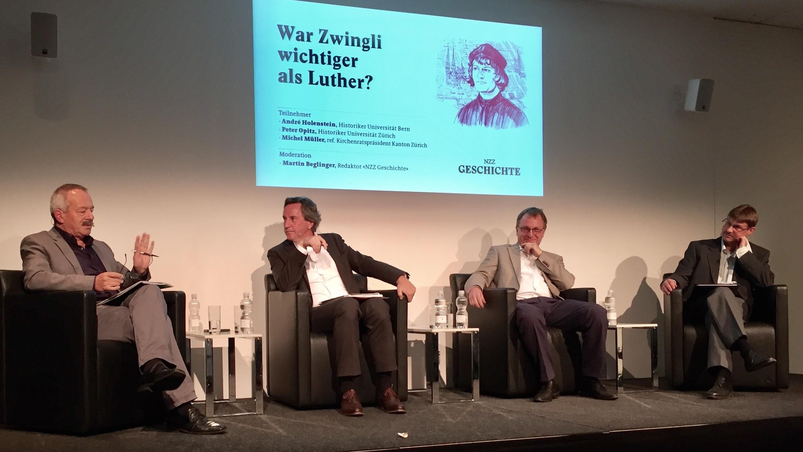 Animierte Diskussion: André Holenstein, Martin Beglinger, Michel Müller und Peter Opitz (von links).