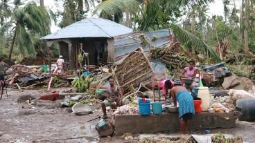 Die materiellen Schäden sind immens: Nach dem verheerenden Erdbeben vom Januar 2010 ist Haitis Bevölkerung erneut von einer Naturkatastrophe schwer getroffen.