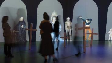 Der Totentanz ist Manuels grösstes Werk. Im Bernischen Historischen Museum bringt eine Installation Bewegung in den Todesreigen.