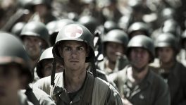 Desmond T. Doss wartet auf den Angriff: Der Soldat weigert sich, eine Waffe zu tragen.