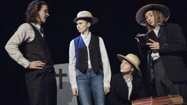 Nach Stücken über Janusz Korczak, Sophie Scholl und die Basler Mission probt das Theaterensemble der Johannes-Gemeinde un bereits sein viertes Stück.
