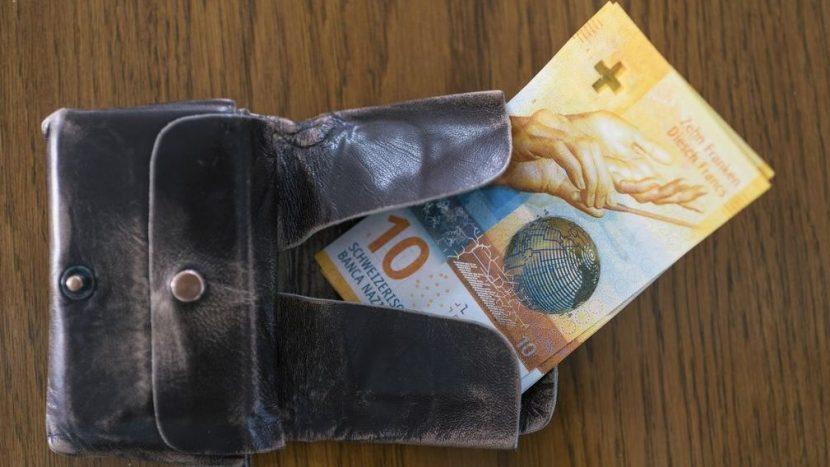 Sozialhilfebezüger im Kanton Bern erhalten künftig 8 Prozent weniger Grundbedarf.